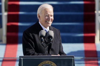 """""""Dejemos de gritarnos y bajemos la temperatura"""": Joe Biden"""