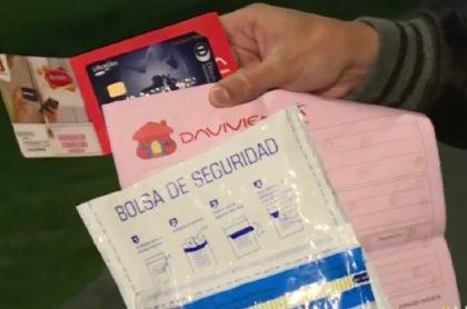 Davivienda: mujer finge ser empleada para robar a clienta, en Bogotá