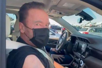 Arnold Schwarzenegger se vacuna contra el coronavirus