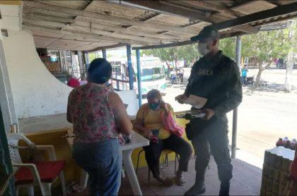 Gaula de la Policía hace campaña para que comerciantes denuncien y no paguen las extorsiones, en Atlántico