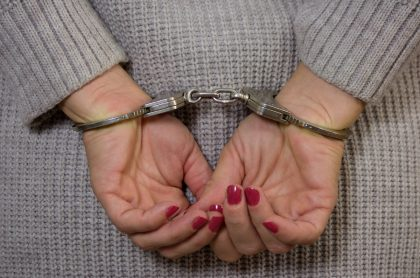 Imagen que ilustra nota; condenan a 17 años de cárcel a mujer que ayudó en crimen deminusválido