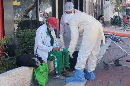 Un abuelo de 79 años, identificado con el nombre de Felipe, fue abandonado en México por sus familiares luego de que presentó síntomas del coronavirus.