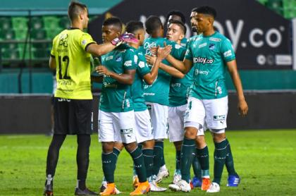 Deportivo Cali, que se convirtió en el nuevo líder de la Liga Betplay 2021-I al derrotar a Pereira, luego de su primer partido del Torneo Apertura en el que derrotó a Jaguares 1-0 en el estadio Pascual Guerrero.