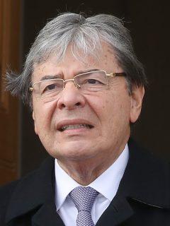 La embajada de Estados Unidos en Bogotá le rindió un sentido homenaje a Carlos Holmes Trujillo, quien falleció por COVID-19.