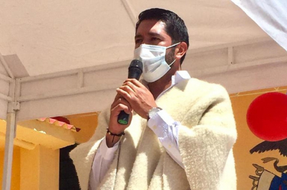 Congresista le exige vacuna contra COVID-19 al Gobierno de Colombia