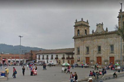 Centro de Facatativá, ilustra nota sobre Pico y cédula en ese municipio y en Chía, Mosquera y Madrid, Cundinamarca, hoy 27 de enero.