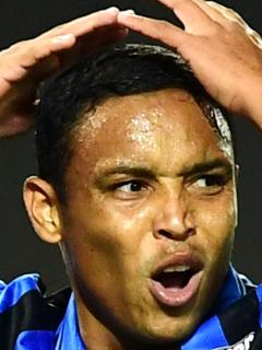Luis Fernando Muriel botó penal en el empate del Atalanta ante el Sassuolo e Inter de Milán quedó campeón de la Serie A.
