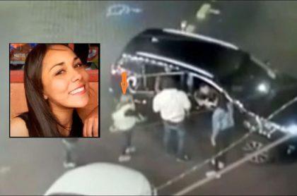 Imagen de Ana María Castro cuando sube a la camioneta de Paul Naranjo, el segundo implicado en la muerte y que tiene orden de captura