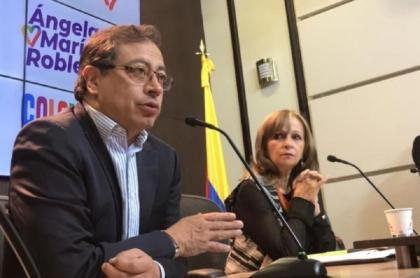 Ángela María Robledo discutió con Gustavo Petro por Twitter