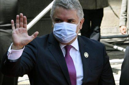 El presidente Iván Duque anunció que el Invima aprobó en Colombia el uso de la vacuna china Sinovac contra el COVID-19. .