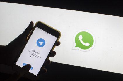 Foto del logo de Telegram y WhatsApp ilustra nota sobre las nuevas funciones de Telegram.