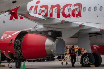 Imagen de un avión de Avianca, aerolínea que es investigada por presuntas irregularidades en aeropuerto de Montería