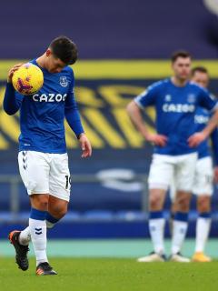 Everton, con un James Rodríguez y YErry Mina, perdió ante Newcastle.