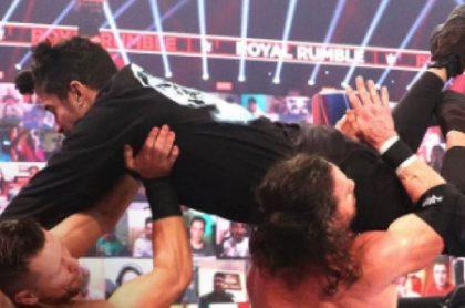 Bad Bunny fue uno de los grandes protagonistas del Royal Rumble Match 2021 y derribó a estrellas de la WWE.