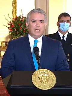 Iván Duque y el nuevo ministro de Defensa, Diego Molano, objeto de burlas por presentación en la que se dijo que el ministro nació en Hospital Militar