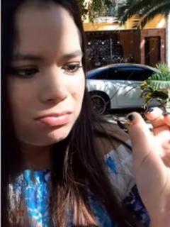 Captura de pantalla de video viral en que propuesta de matrimonio sale mal: novia menospreció anillo