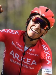 Nairo Quintana, quien tendría más posibilidades de estar en el Giro de Italia 2021 luego de que la UCI permitiera que las grandes vueltas invitaran un equipo más