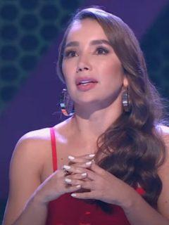 Paola Jara, jurado de 'A otro nivel', emocionada por una presentación.