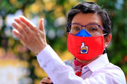 Claudia López habla del madrugón y la crisis de hoteles en Bogotá.