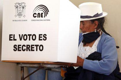 Elecciones presidenciales de Ecuador irán a segunda vuelta