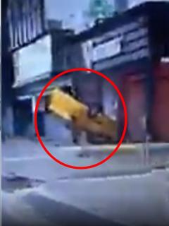Accidente de un taxista en Bogotá por poco termina en tragedia.
