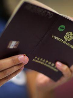 Imagen ilustrativa del pasaporte colombiano.