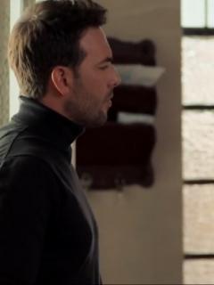 Escena de 'Pa' quererte' en la que 'Lorenzo' le pide ayuda a ' Mauricio'.