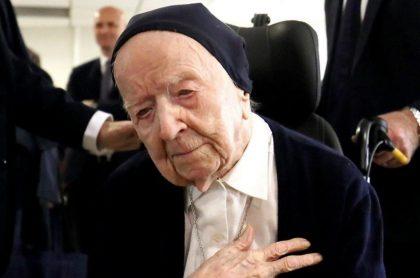 La monja Lucile Randon, considerada la persona más longeva viva en Europa, superó exitosamente a sus 116 años el coronavirus.
