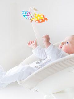 Sancionarán empresas que vendían sillas involucradas en muertes de bebés.
