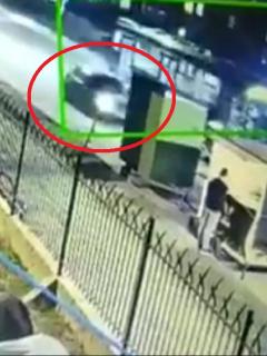 Bogotá: conductor se estrella con carro de comidas y deja mujer herida