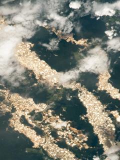 Captura de pantalla de foto de la Estación Espacial Internacional que captó ríos de oro en Perú