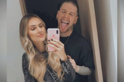 Danielle Arciniegas, actriz, con su esposo David Escobar, cantante de Piso 21 y jurado de 'Factor X', ilustra nota sobre video y fotos del cuarto de sus hijas, Ella y Roma.