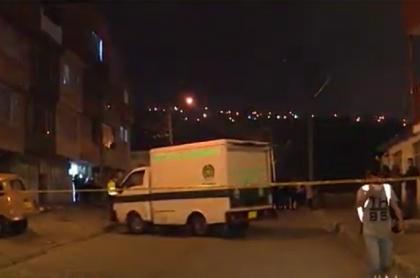 Carro de la Sijín haciendo levantamiento de conductor en Ciudad Bolívar