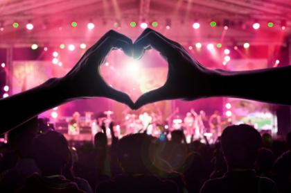 10 canciones para dedicar en San Valentín (en la voz de sus cantantes)