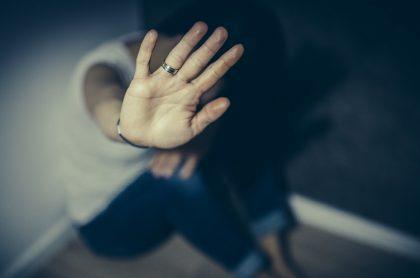 Violencia de género, como la que sufrió una mujer en Medellín que fue lanzada por su exnovio desde un noveno piso