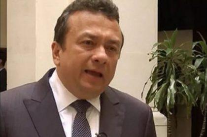 Renunció el investigado senador Eduardo Pulgar, el del presunto soborno a un juez