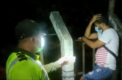 Ocultó marihuana en tanque de oxígeno y quedó sin aire cuando Policía lo descubrió, en Santa Marta
