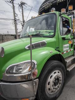 Camión ilustra nota sobre paro de transportadores y rutas de movilizaciones