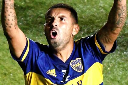 Relato de Mollo en gol de Edwin Cardona con Boca Juniors ante Gimnasia. Imagen de la celebración del colombiano.
