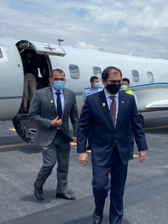 Oposición hará control político a viaje de fiscal Barbosa a Ecuador