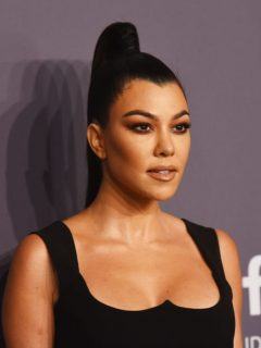 Kourtney Kardashian oficializa su relación con Travis Barker en Instagram