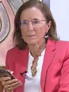 Salud Hernández, que criticó a Iván Duque por lo que ha hecho luego de la llegada de las vacunas