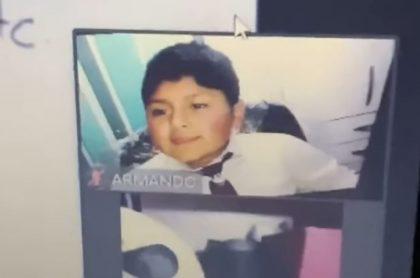 El estudiante, identificado con el nombre de Armando, mostró cómo hace para evadir sus respectivas clases virtuales.