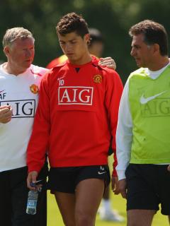 Carlos Queiroz, asistente técnico del Manchester United, junto a Cristiano Ronaldo.