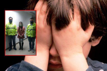 Niño se tapa los ojos y captura de pantalla de joven arrestada en Ecuador por abusar de su hermano de 6 años