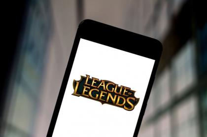 Foto de logo de League of Legends ilustra nota sobre cúanto gana un 'caster' o narrador de videojuegos