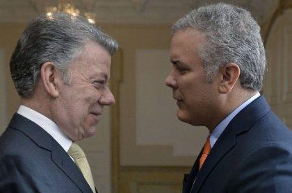 Juan Manuel Santos e Iván Duque, en el momento en que se hizo la entrega del poder, en 2018.