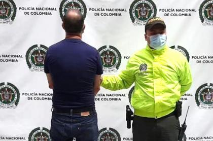 Detienen en Itagüí a pastor cristiano que abusaba de sus hijastras.