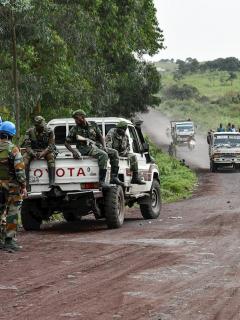 Caravana del ejército del Congo, ilustra nota de asesinato a tiros de embajador de Italia en República del Congo