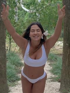 Katherine Porto, que muestra orgullosa su cuerpo